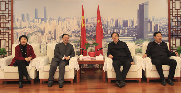 青海省海东市党政代表团来我司考察调研