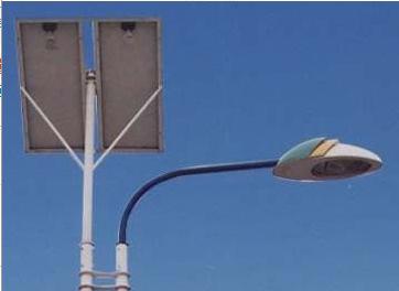 太阳能路灯(双灯杆)